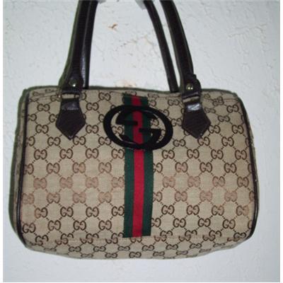 Túi Gucci trống